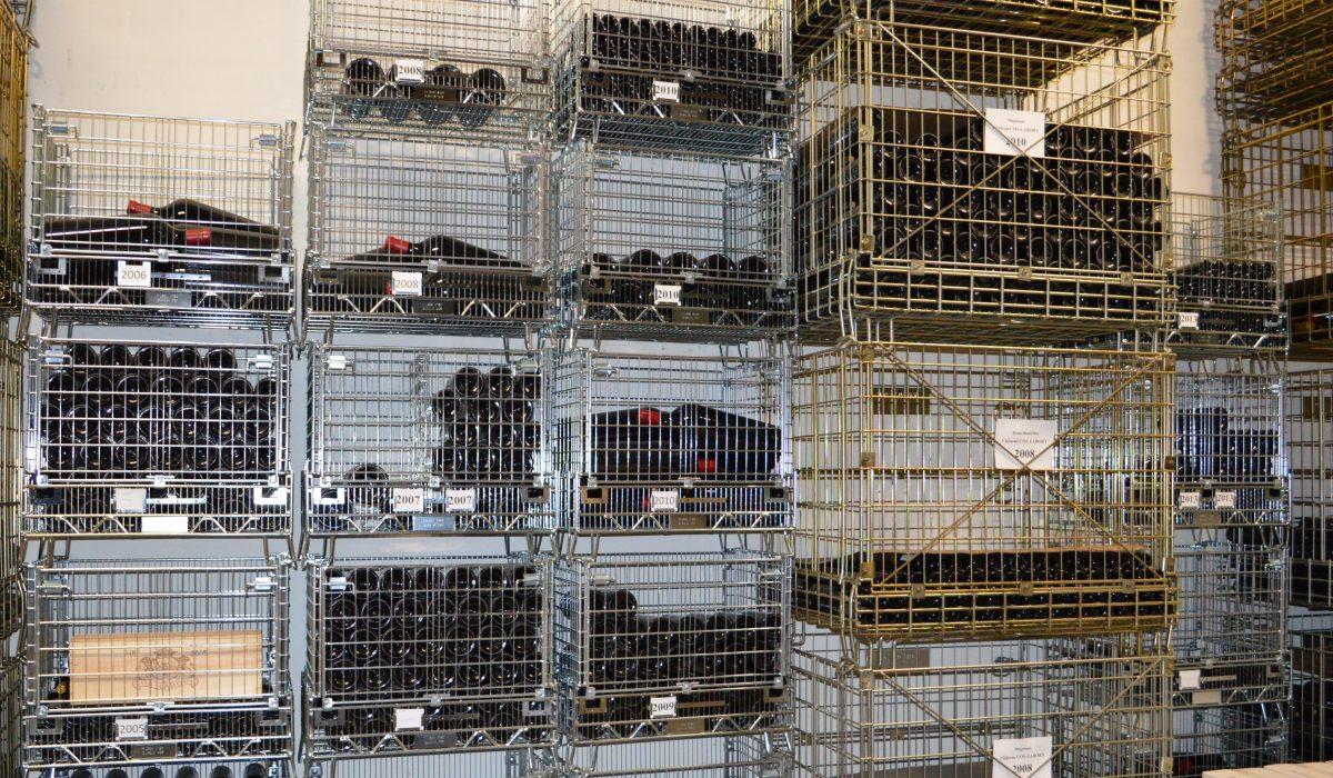 Des containers métalliques vinicoles Filbox de plusieurs tailles et plusieurs formes pour un stockage parfait.