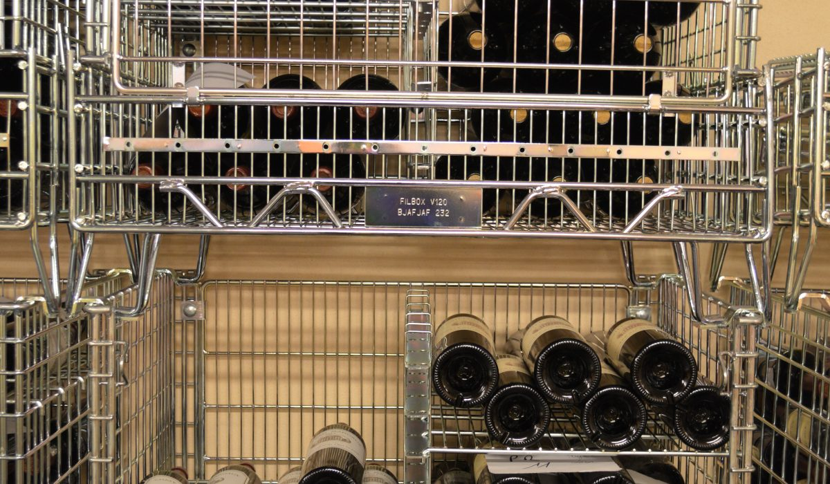 Filbox, créateur de box métalliques pour stockage de bouteilles de vin.