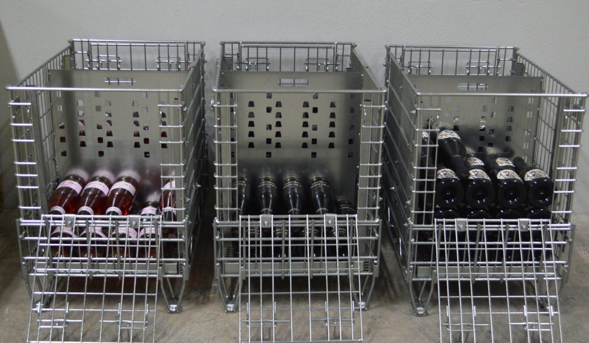 Pour stocker vos bouteilles de vin à la cave en toute sécurité et efficacité, Filbox propose des caisses palettes métalliques ingénieuses.