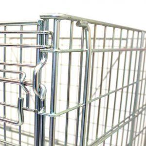 Il y a une fermeture sécurisée sur les caisses métalliques vinicoles de stockage Filbox.